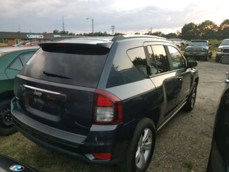 Jeep - Compass ($800 down)- 2014 ce1074d5-d2a2-427c-84da-58403560403f