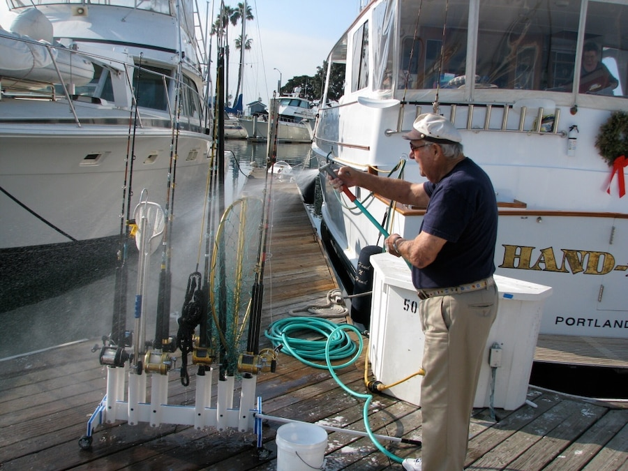 Used sports and fishing in los angeles for Fishing in los angeles