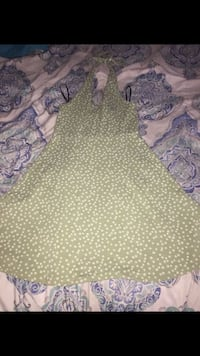Forever21 Floral Green Dress. Size: S Miramar, 33023