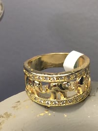 18k GPL Ring With Elephants Size 7,8
