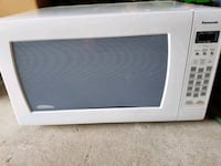 white General Electric microwave oven Mississauga, L5R 3P2