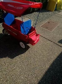 Radio flyer with canopy and cool bag Langley, V2Y 0E8