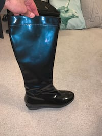 Pair of Navy Blue leather boots Fairfax, 22030