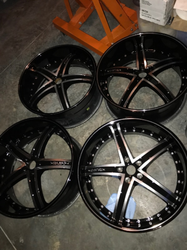 """22""""  refeburished staggered wheels"""