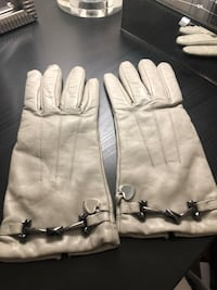 Brand new Moschino leather gloves! 791 km