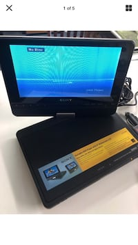 Portable Sony DVD player bundle West Bloomfield, 48323