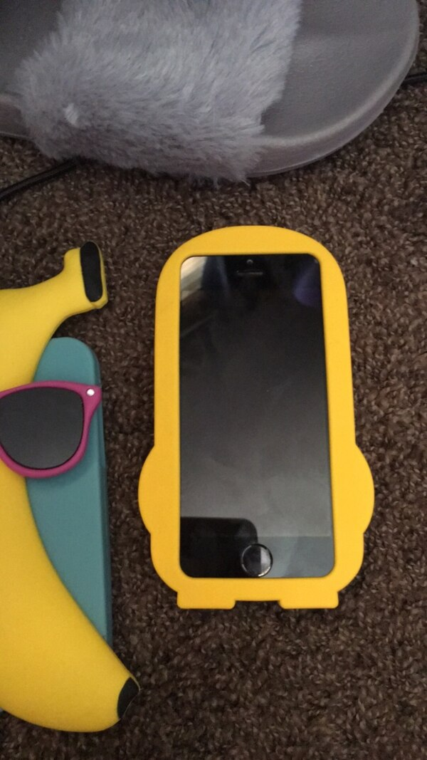 iPhone cases need gone ASAP