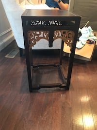 Small square side table Alexandria, 22314
