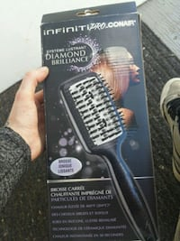Infinitipro conair brush straighter new in box Prince George, V2M 0A2