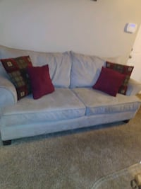 Sofa w/2 chairs, coffe table & 2 end tables Eastpointe, 48021