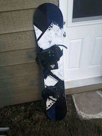 black and white snowboard with bindings Vaudreuil-Dorion