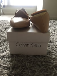 New with box. Never worn size 7 New York, 10018
