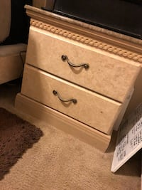 Nice like new bedroom set mattress & box spring not included  North Las Vegas, 89081