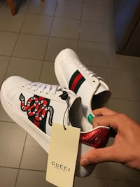 White Gucci Snake Sneakers Sz 8/8.5 US ( 41 ) No trades ! Kensington, 20895