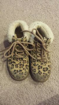 UGG Boots Size 11 Wilmington