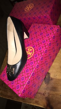 Tory Burch Raleigh Black pump size 7 Norwalk, 06851