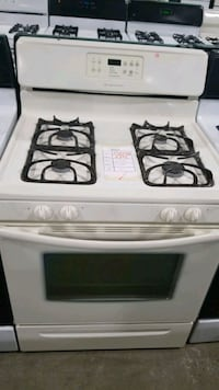 Frigidaire natural gas Stove 30inches.  Queens