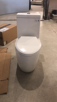 One piece toilet! Affordable and fully skirted Vaughan, L4L 8N6