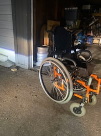 Quickie 2 foldable wheel chair for child