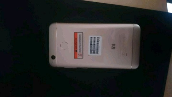 blanco General Mobile android smartphone