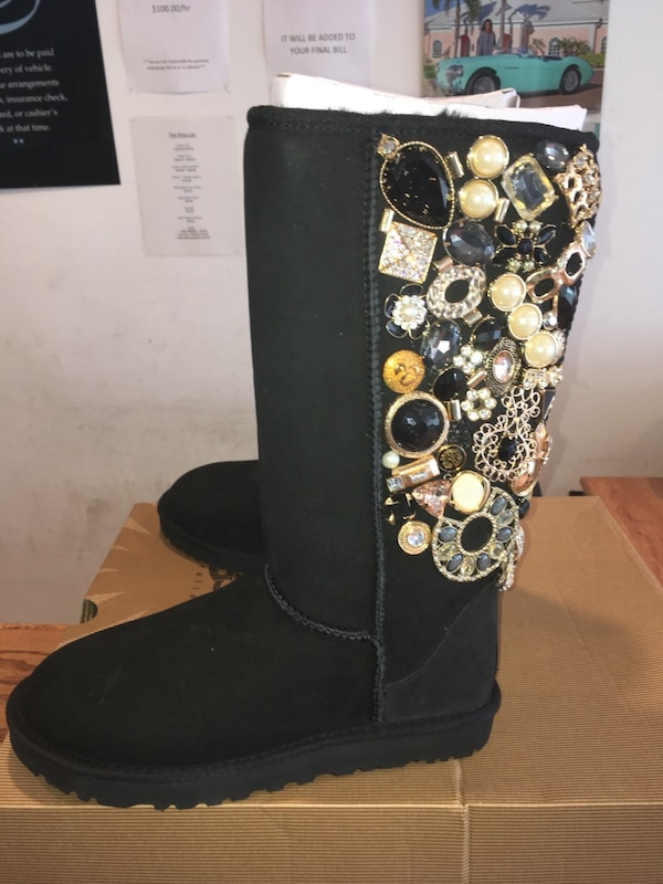 4dc091e9826 UGG 5815 Special Edition Classic Tall Boots One Of A Kind Sz 8 Black