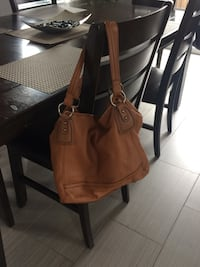 women's brown leather tote bag Québec, G3A 1W7