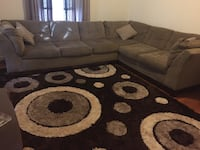 Gorgeous sectional couch very comfortable  Saint Louis, 63125