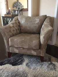 Large Accent Chair Oakville, L6K 2H8