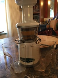 white Omeger power juicer Richmond, 94803