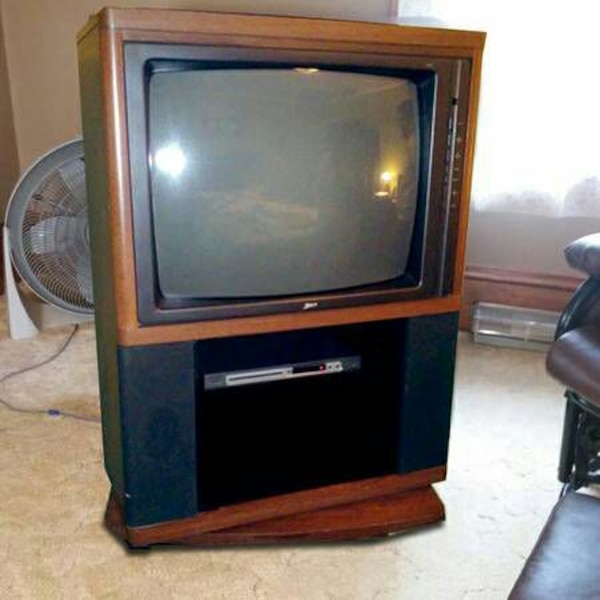 Used Zenith Floor Model 27 Tv On Swivel Stand For Sale In New York