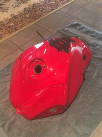 Suzuki motorcycle gas tank