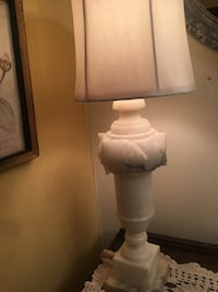 white and brown table lamp Springfield, 45504
