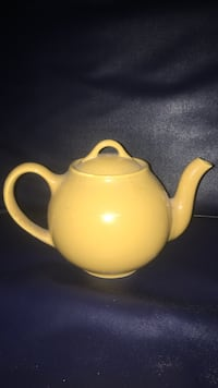 Vintage Lipton tea teapot  Waterloo, 50703
