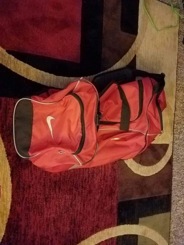 13ffbd6dae2d Used red and black Nike duffle bag for sale in West Allis - letgo