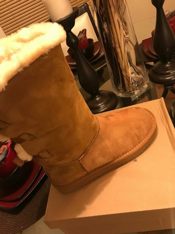 Brown ugg boots size 8