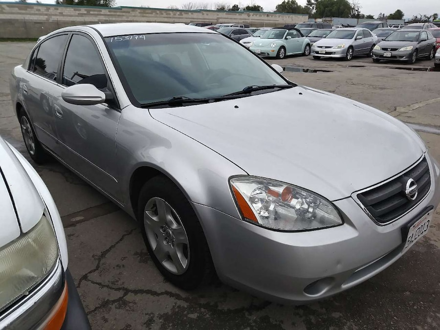 Used 2003 NISSAN ALTIMA 4CY GAS SAVER in tario