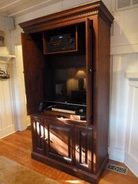 brown wooden cabinet with mirror 3750 km