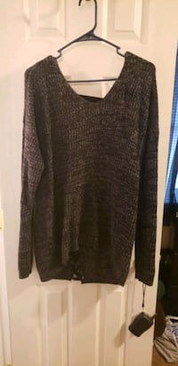 brown and black scoop neck long sleeve shirt