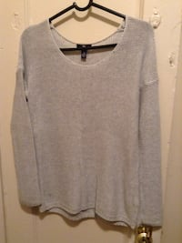 gray scoop-neck sweatshirt