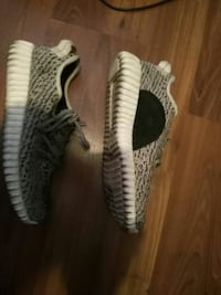 Yeezy shoes Toronto, M9N 1X8