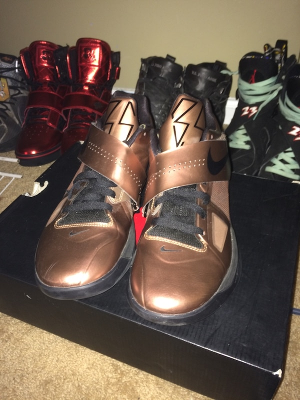 Used KD4 Christmas sze 10.5 for sale in Toms River - letgo
