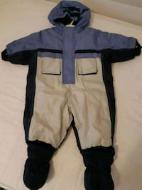 One piece snow suit 18m Toronto, M4K 2C7