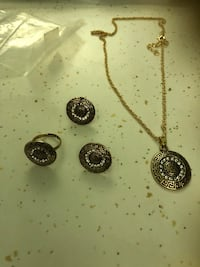Set of 3 gold plated jewelry  1367 mi