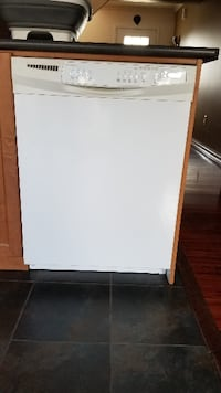 Clean Dishwasher - Working perfectly ! MILTON