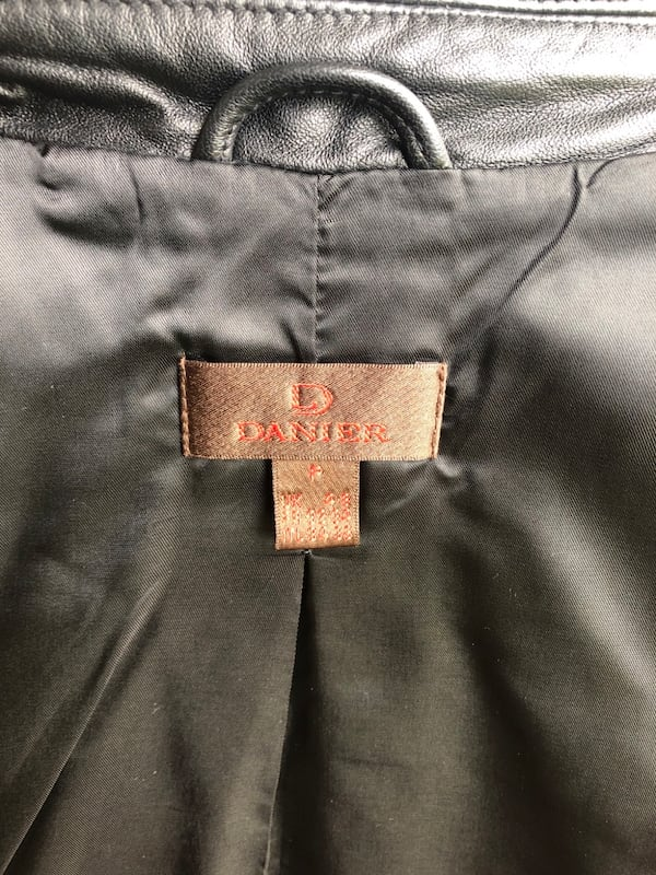 Danier Leather Jacket 5b15b170-e527-4674-8c2b-8668c67dfe1e