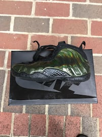 Foamposite new with box size 7 Washington, 20012