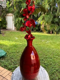Red vase good condition  West Kendall, 33193