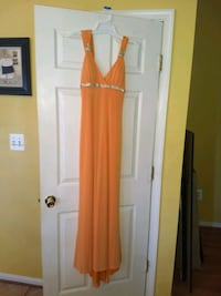 Size 6 ladies- Beautiful Orange long lined Gown, Stafford, 22554