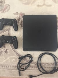 PS4 Slim 500 GB + 2 Dualshock4 Kol Alanya, 07400