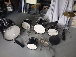 Drum set junior size, as is